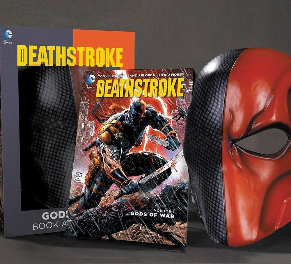 گیفت ست کتاب دث استروک ( Tony Daniel ) به همراه ماسک دث استروک (2)
