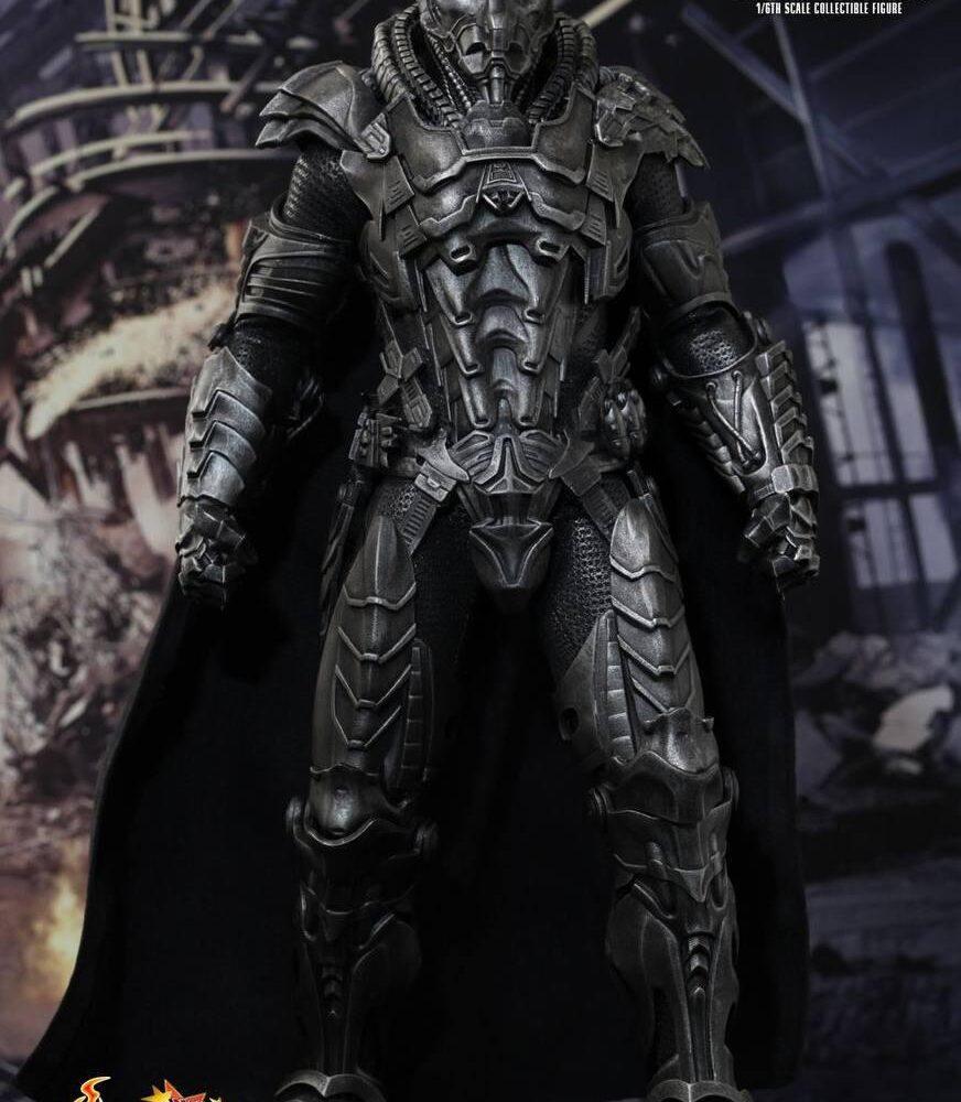 اکشن فیگور ژنرال زاد – مایکل شنون (سوپرمن) (15)