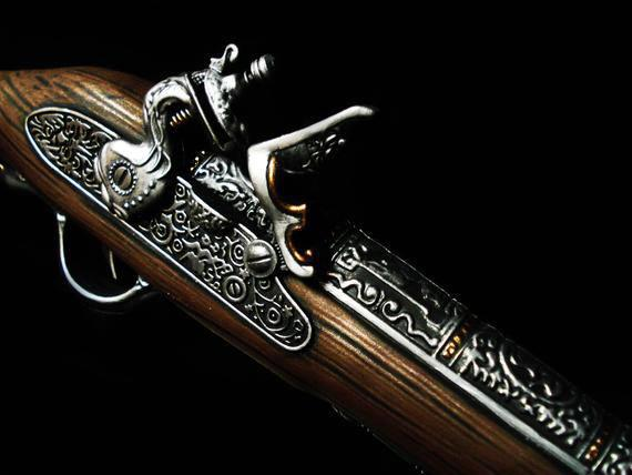 Medioevo Assassin'S Creed Iv 4 Black Flag Edward Kenway'S Pistol Gun With Decorated Barrel Collectibles Replica (6)