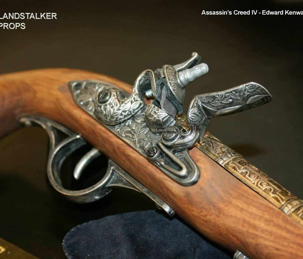 Medioevo Assassin'S Creed Iv 4 Black Flag Edward Kenway'S Pistol Gun With Decorated Barrel Collectibles Replica (9)